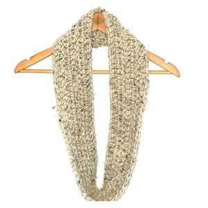 Accessories - Chunky crochet infinity scarf handmade scarves